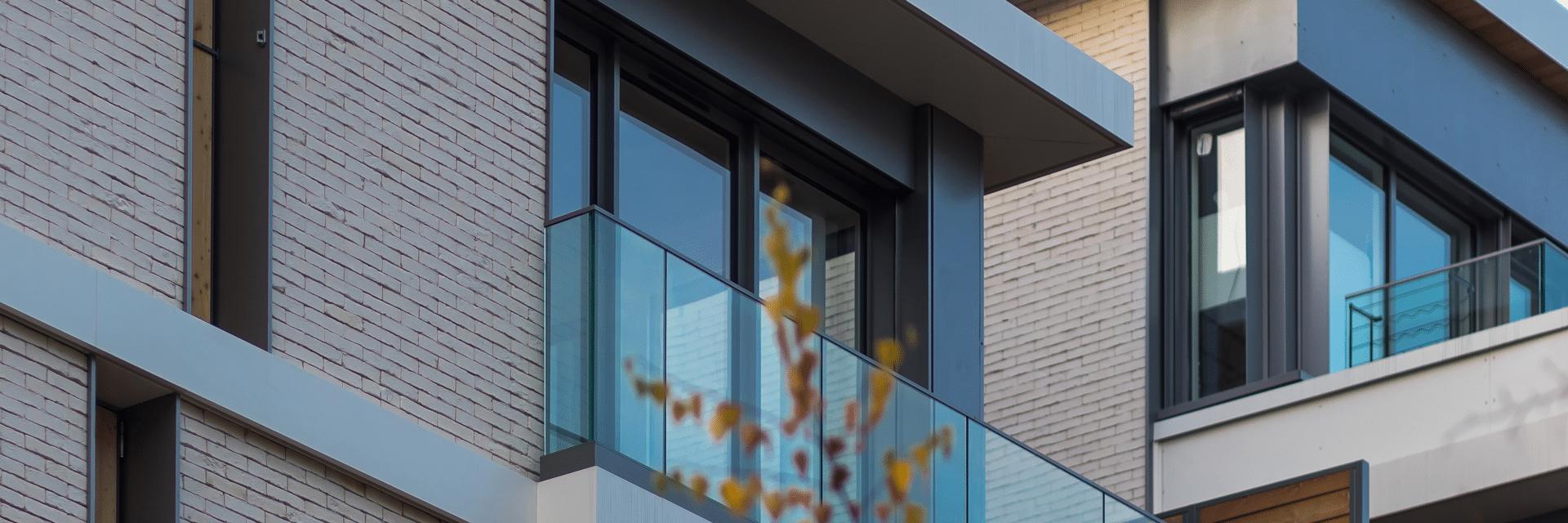 Couverture support print du groupe immobilier Perl, réalisée par l'agence de communication branding Siouxe à Paris.